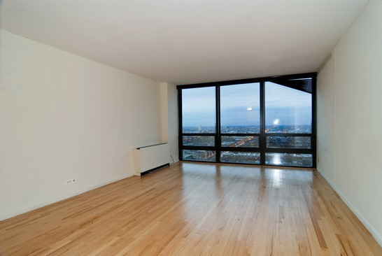 1636 N Wells Americana Towers Condos For Sale Or Rent